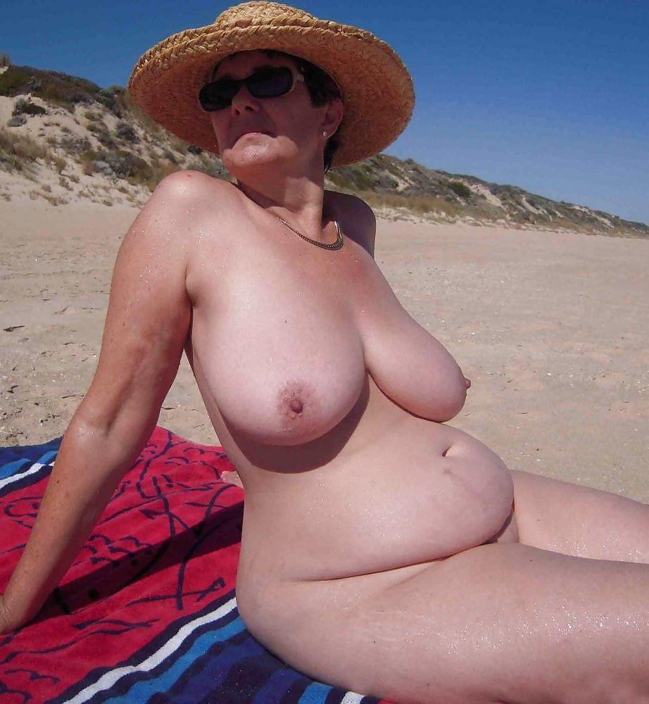 Strand gallery nackt Nackt Pics