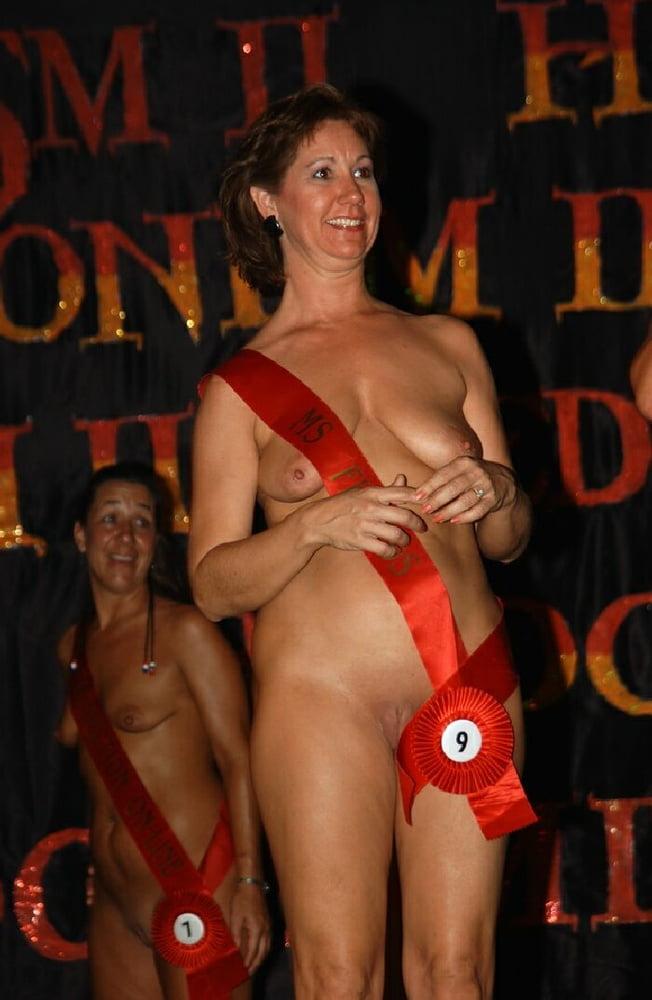 Pornhub naked in public