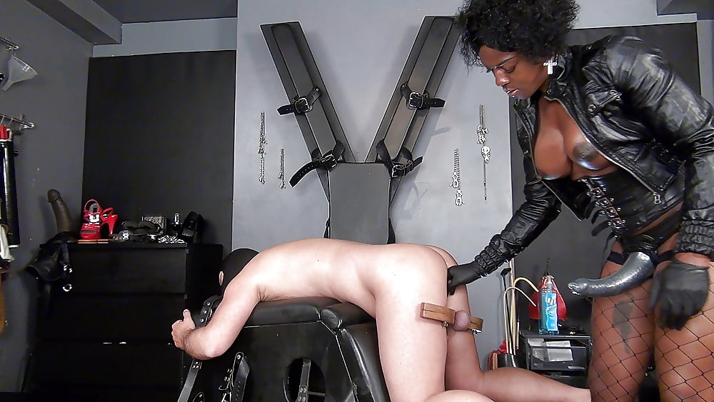 Pictures Of Ebony Girls Fucking Guys With Strapon Dildo Free Porn Images