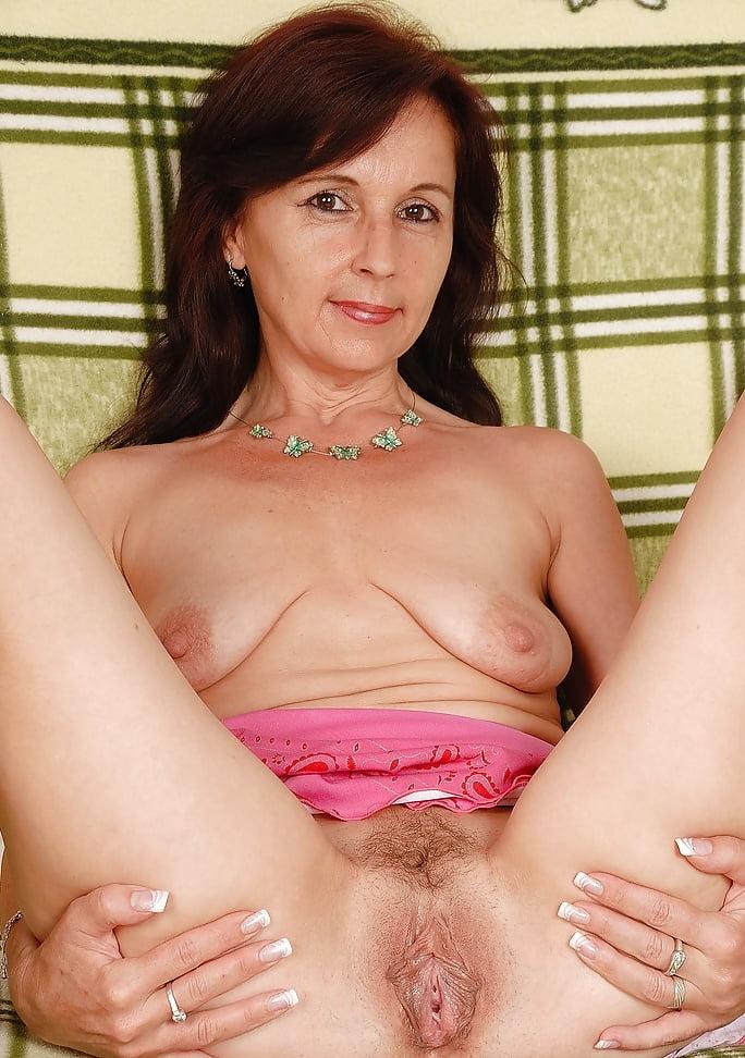 porno-zhenshini-v-sorok-sem-let-porno-aktrisa-reychel-foks