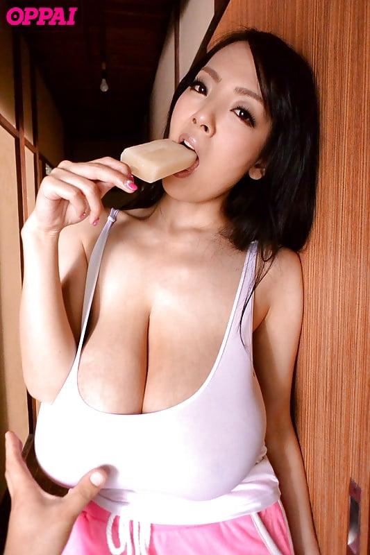 Hitomi tanaka boobs Hitomi Tanaka Perfect Big Boobs 7 Pics Xhamster