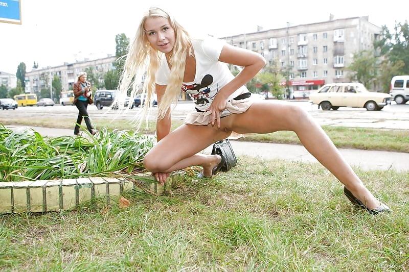 порносайты девушки на улице один