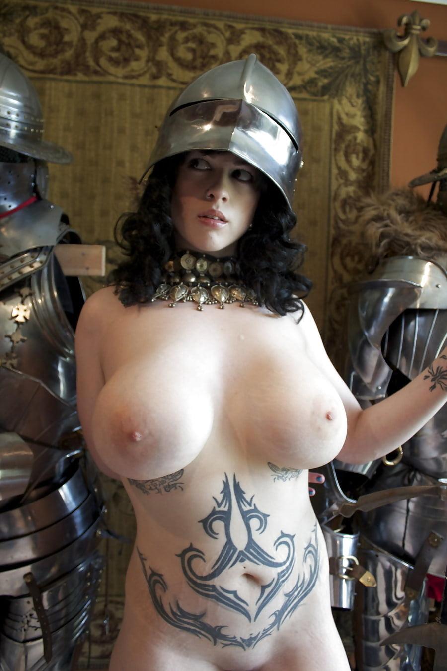 порно фото женщин воинов связи