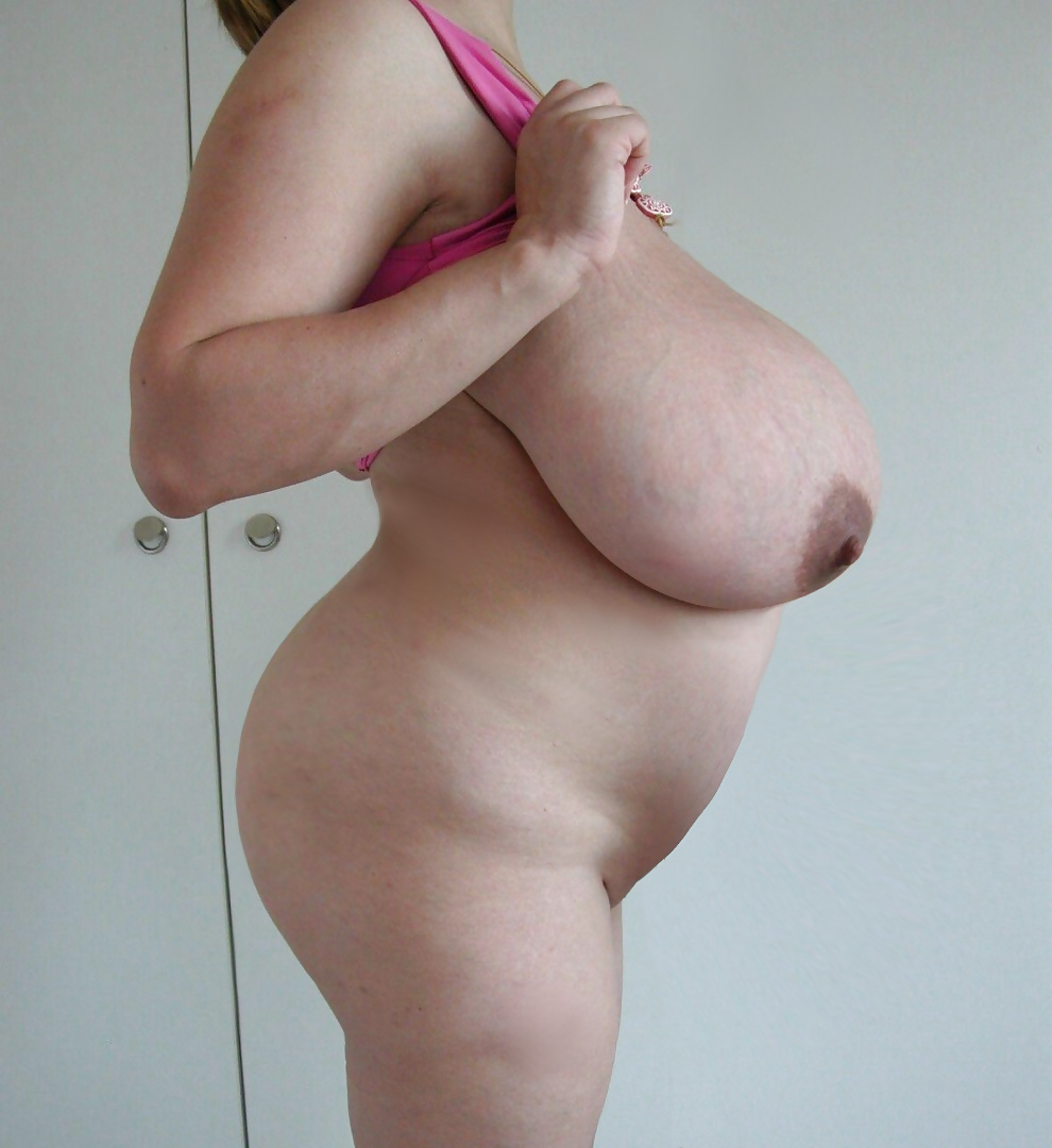 Pregnant women shows their big belly and naked pussy