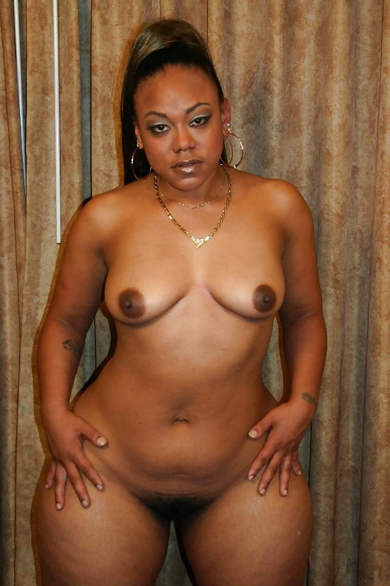 wide-hip-black-pussy