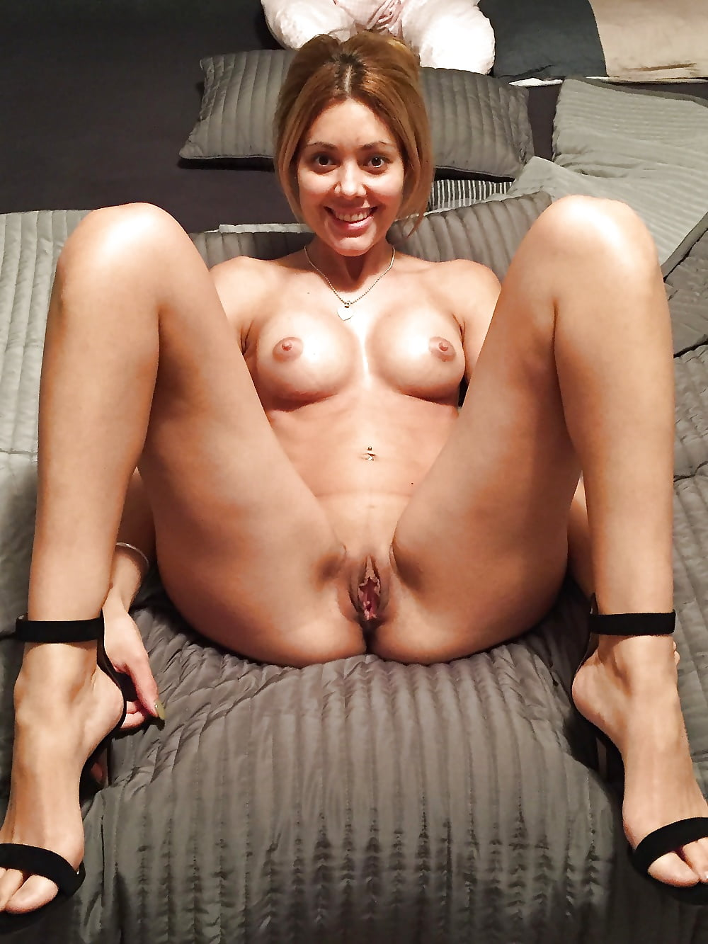 mom-next-door-shows-pussy