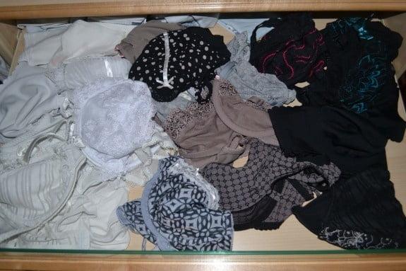 La lingerie de ma femme - 26 Pics