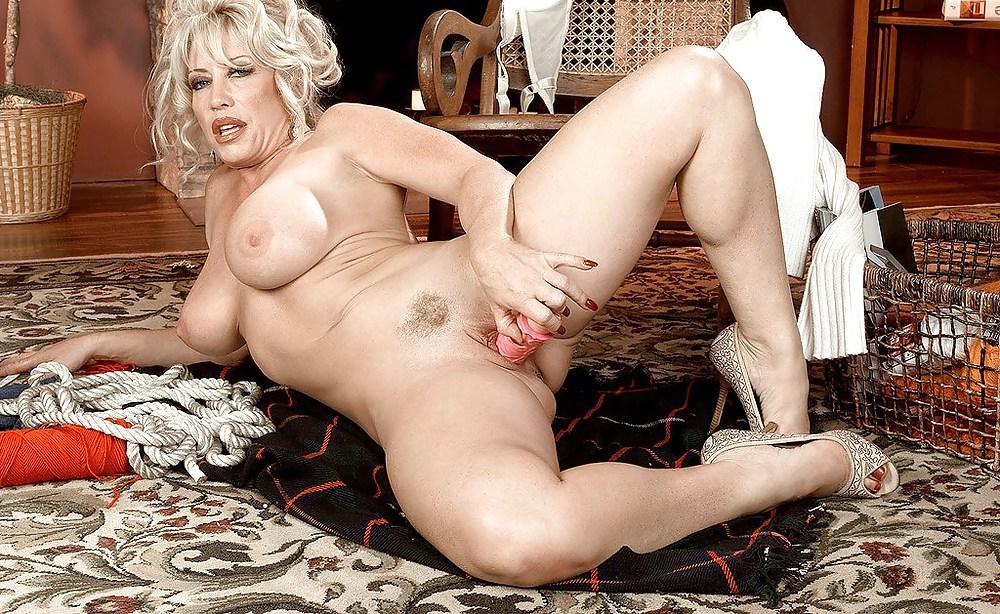 free-jena-lynn-porn-movies-woman-getting-fucked-by-monkey