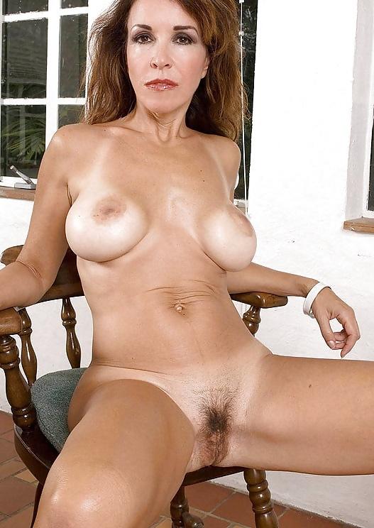 amerikanskie-porno-aktrisi-komu-za-sorok-neadekvatniy-cherniy-chlen