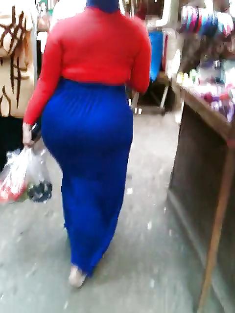 Hijab milf with big booty