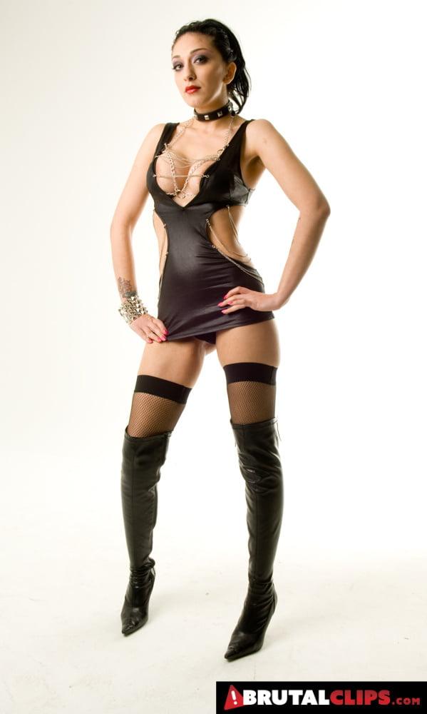 Is Kinky Mai Bailey A Mistress Or Slave? - 49 Pics