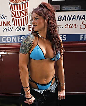 10 Most Sexualized WWE Stars - Page 9