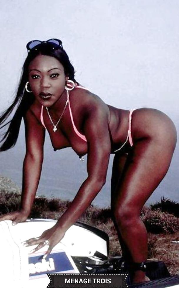 girls-nude-menage-trois-black-porn-star