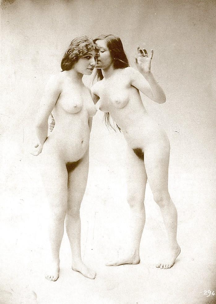 lesbi-proshlogo-stoletiya-erotika-na-zastavku