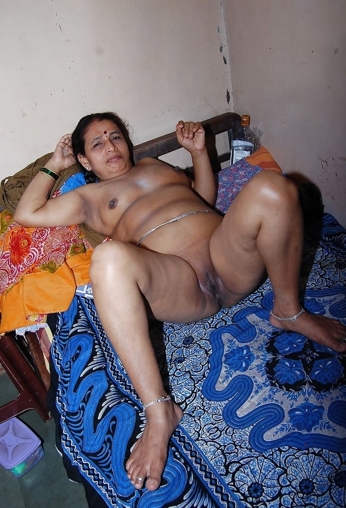 town-aunty-nude