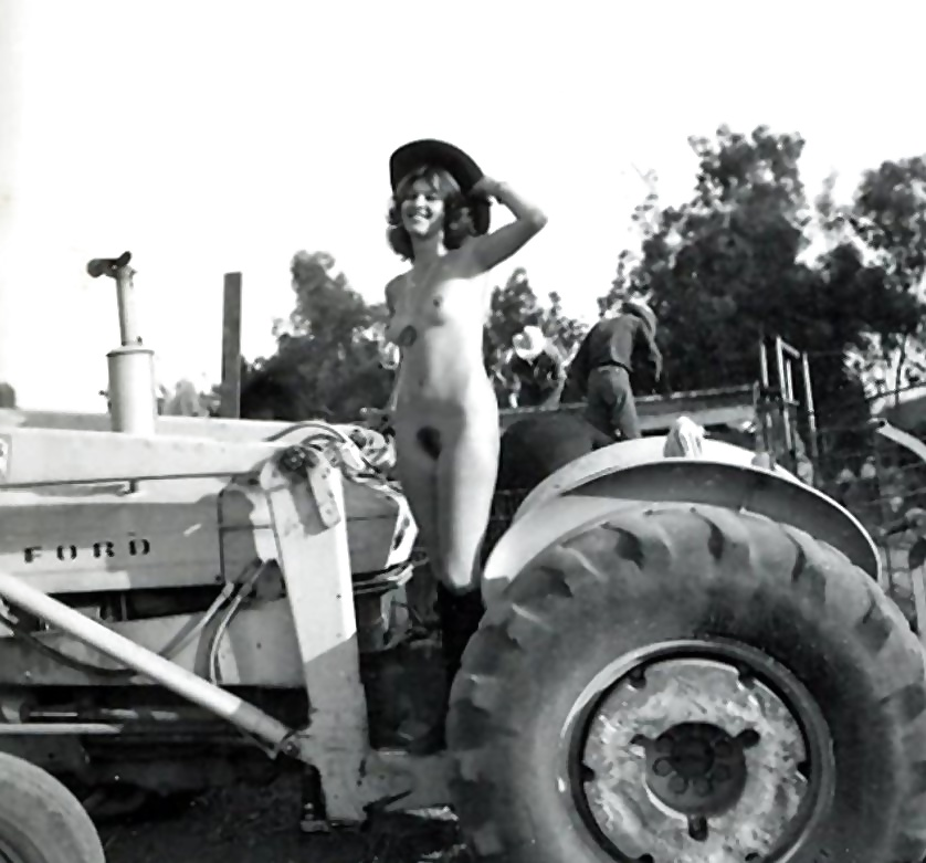 beautiful-hot-girls-nude-on-tractors-anal