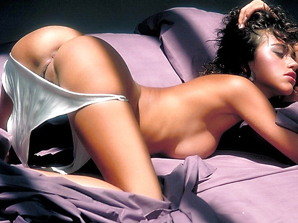 Teri hatcher opens up about posing in a bikini