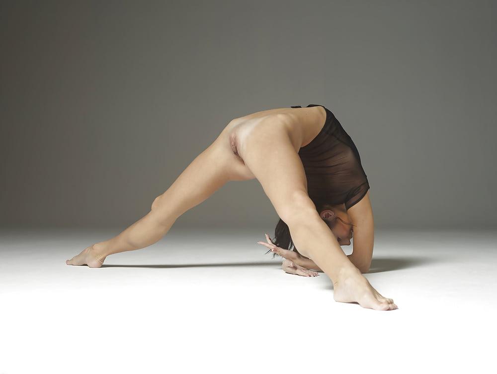 фото гимнасток без трусиков