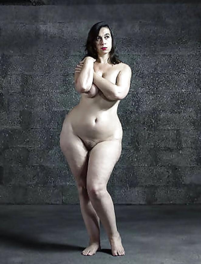 buddies-sexmaid-hip-naked-women