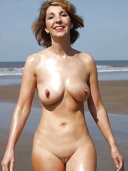 Naked mature hot-8023