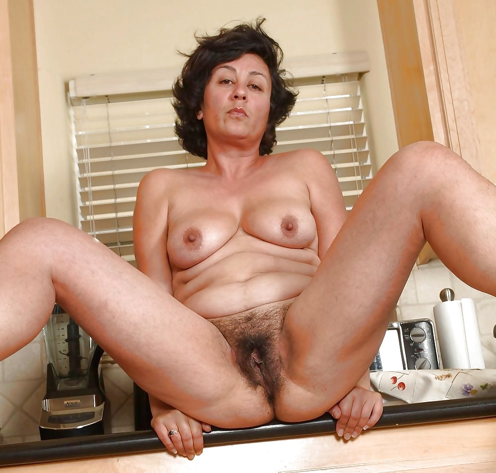 Hairy Mature Nude Pics, Women Porn Gallery