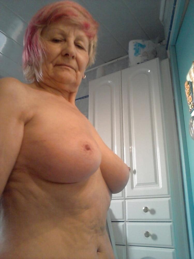 Cougars Grannies Milfs 74 - 23 Pics