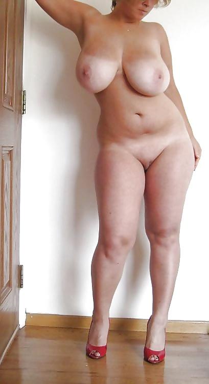 Nude Mature Curvy Women