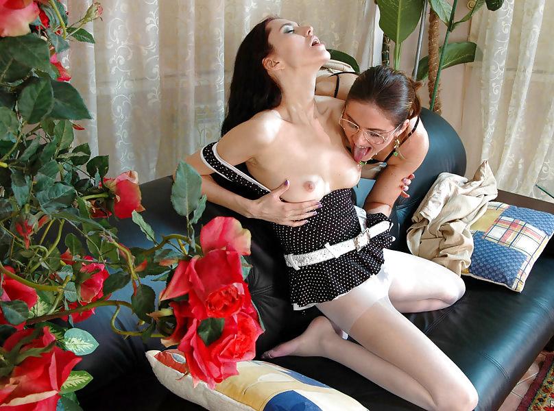 Older woman seducing girl-7062