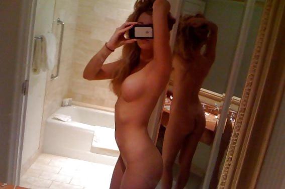 extrem naked beach babes