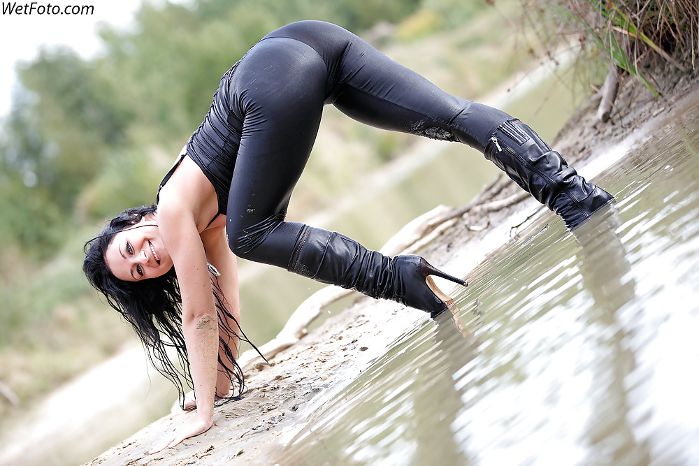 sexy-wetlook-pants-hot-pussy-watches-lesbian-porn