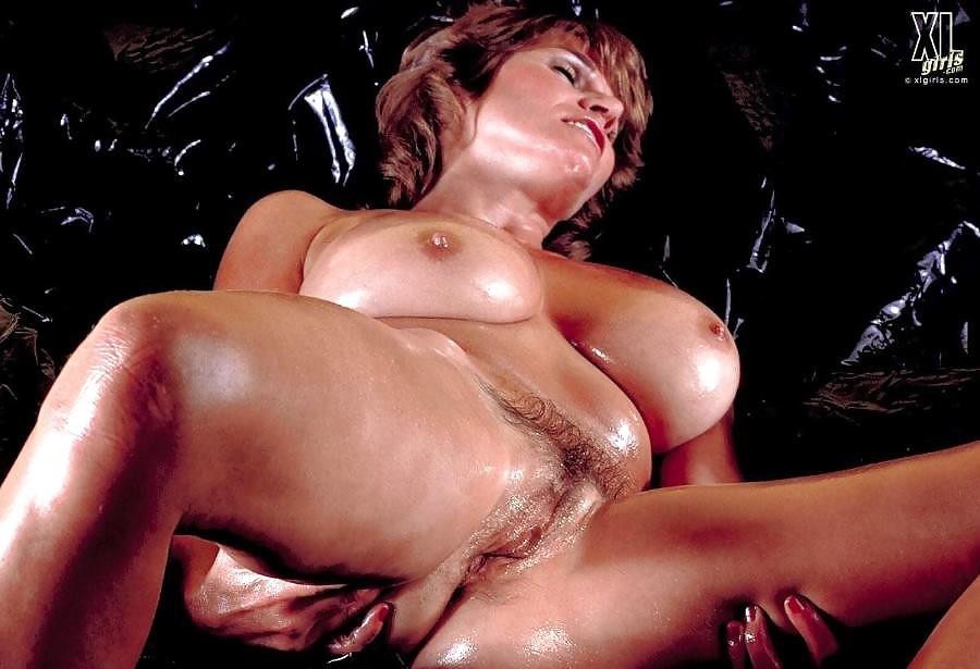 Stars Ushi Degard Nude Gif