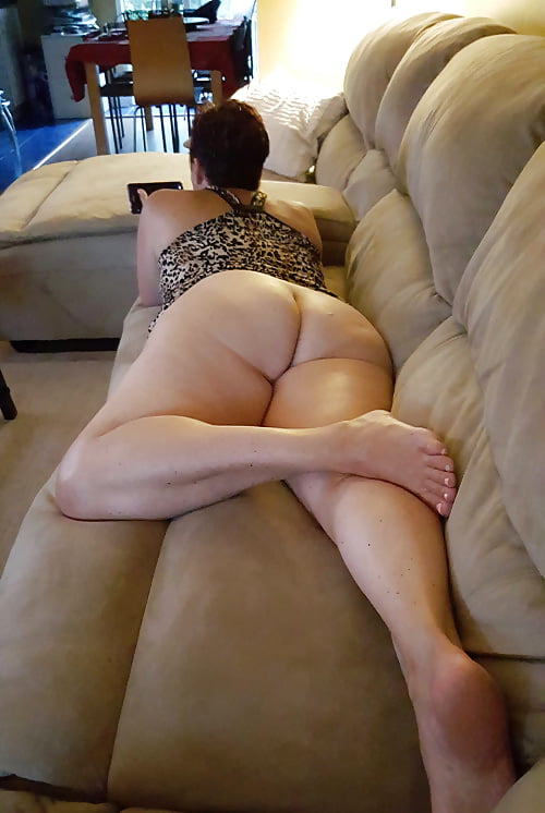 Phat white drunk mom ass gallery