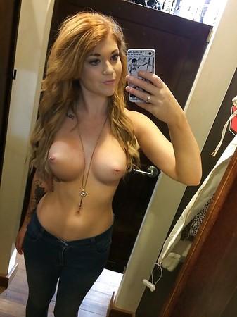 Female nude selfie Nude Selfies