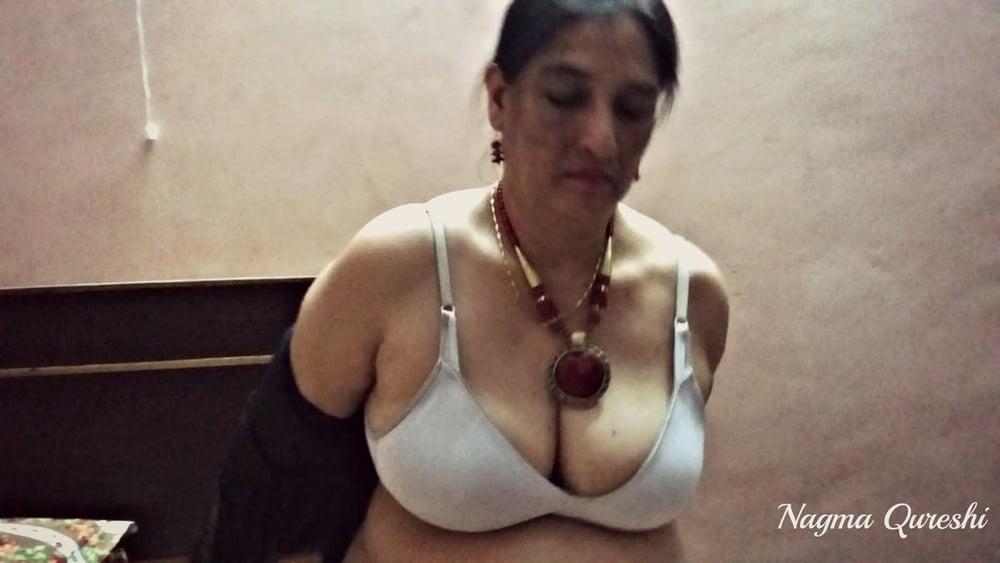 Female nude tease pics