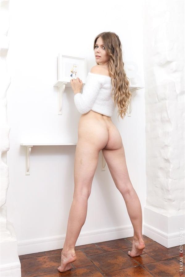 Evelina white like snow like sexy snow white - 16 Pics