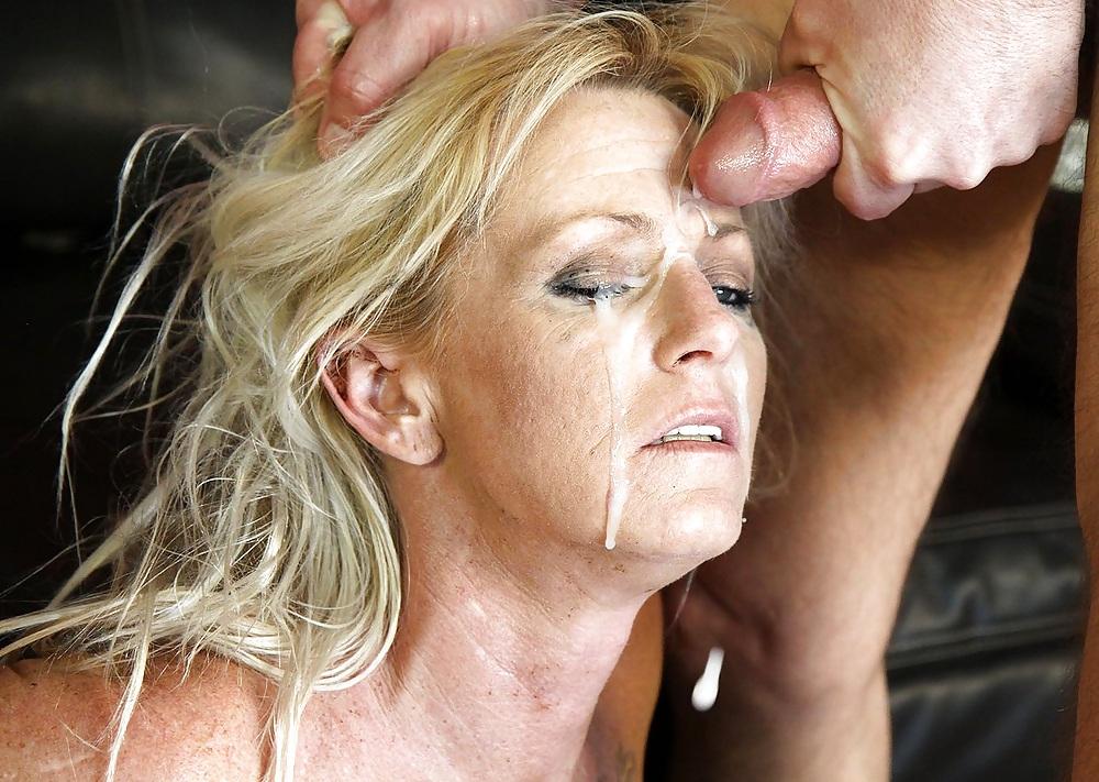 Young tits giving handjob