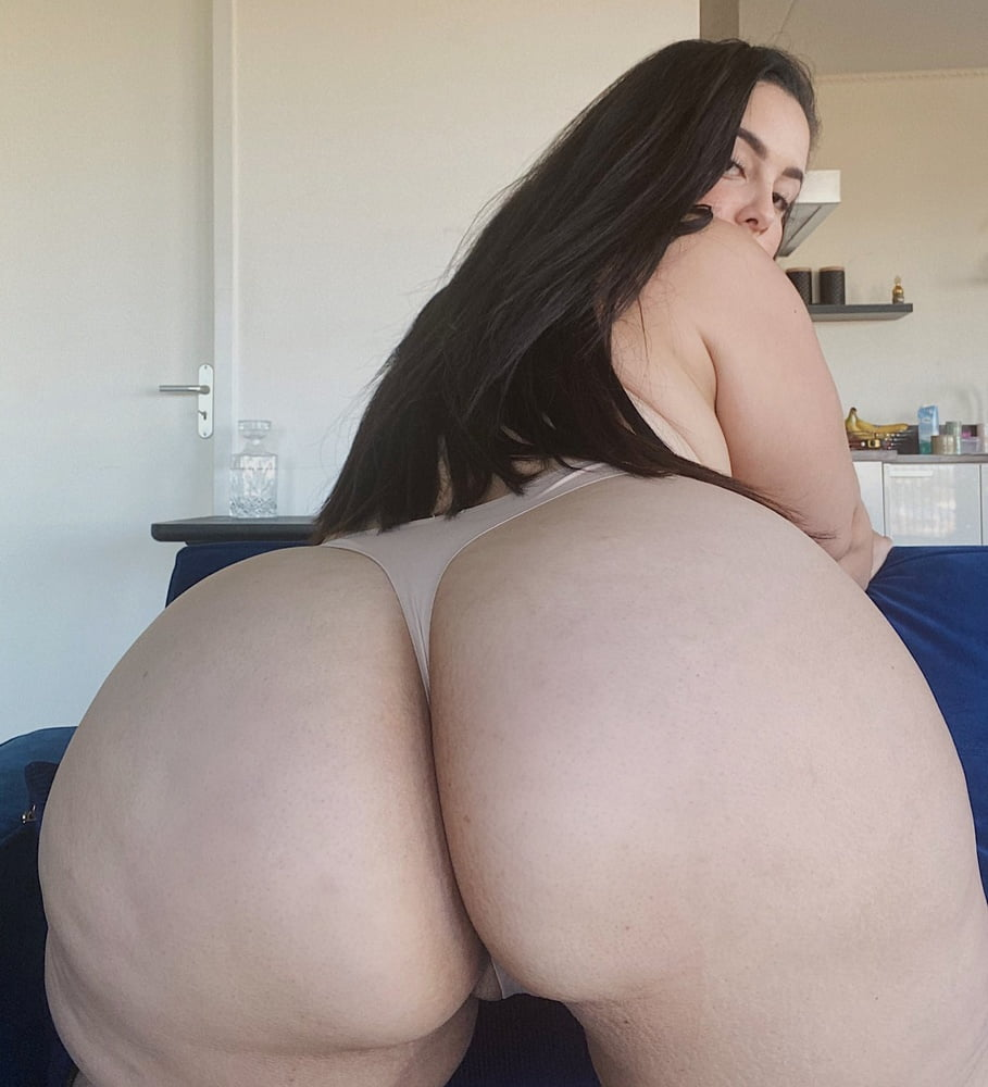 Big tit Arab BBW- 30 Pics
