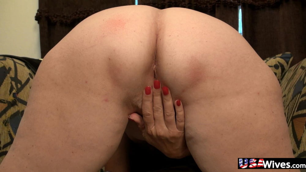 Hot babes with big natural tits-4602