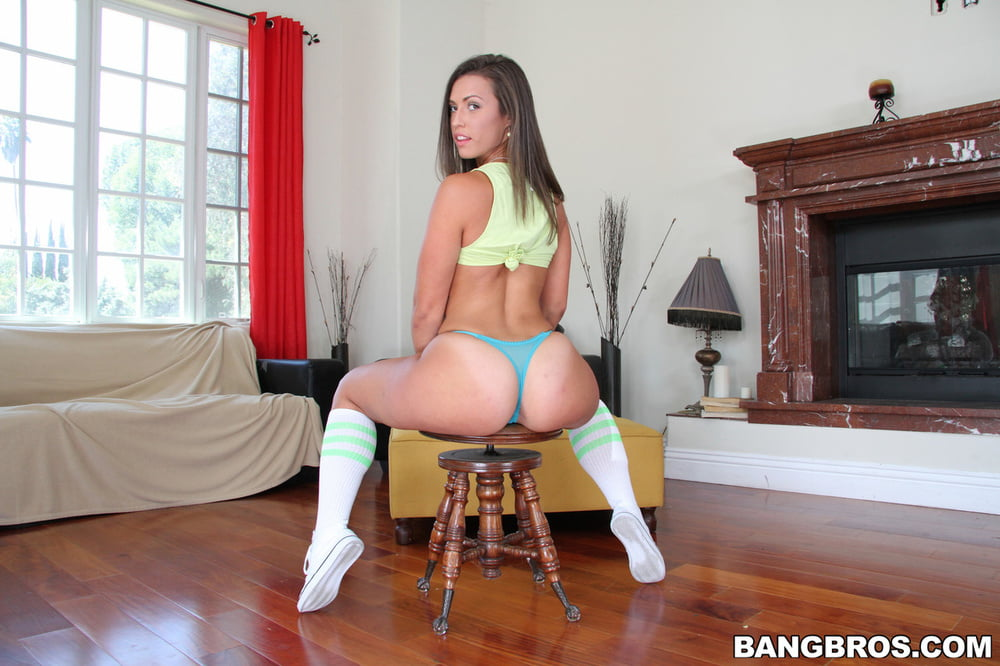 Kelsi collection - 999 Pics