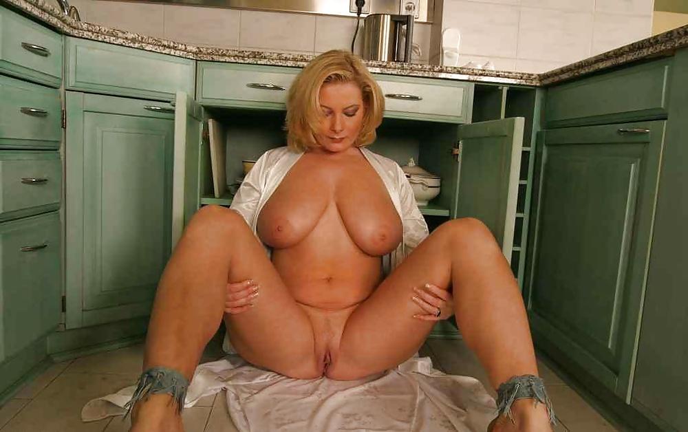Busty mature arab women nude