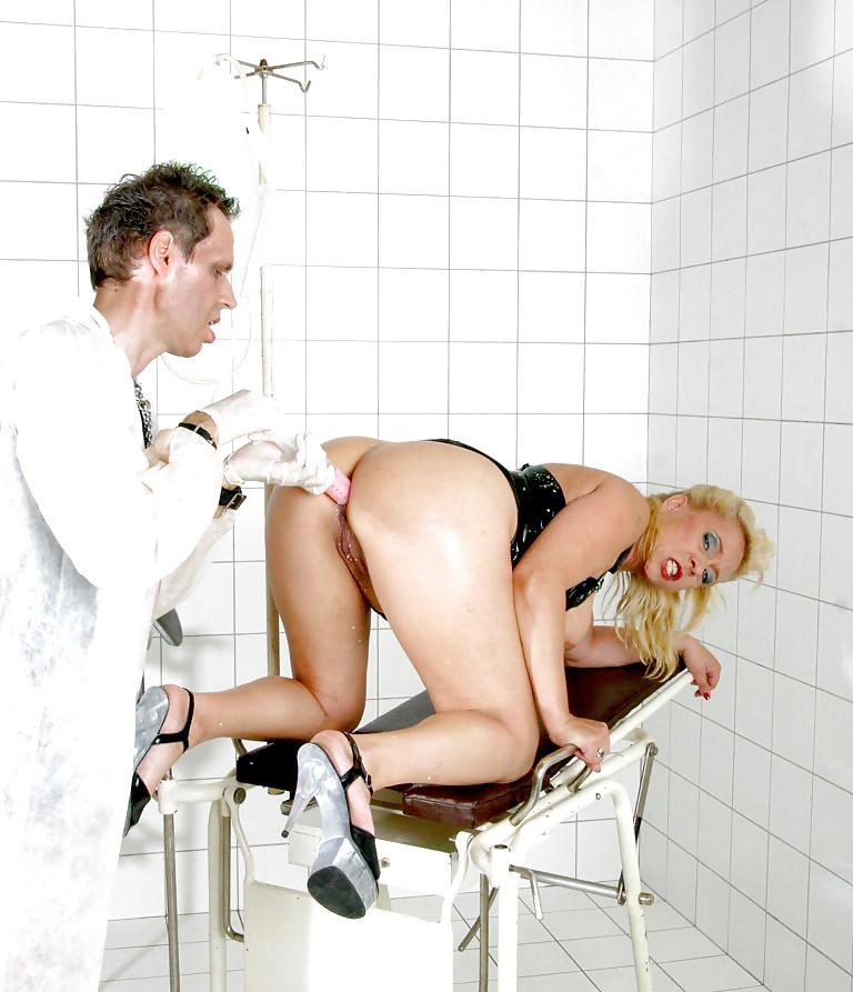 Порно видео пациентку лечат аналом отказаться минета