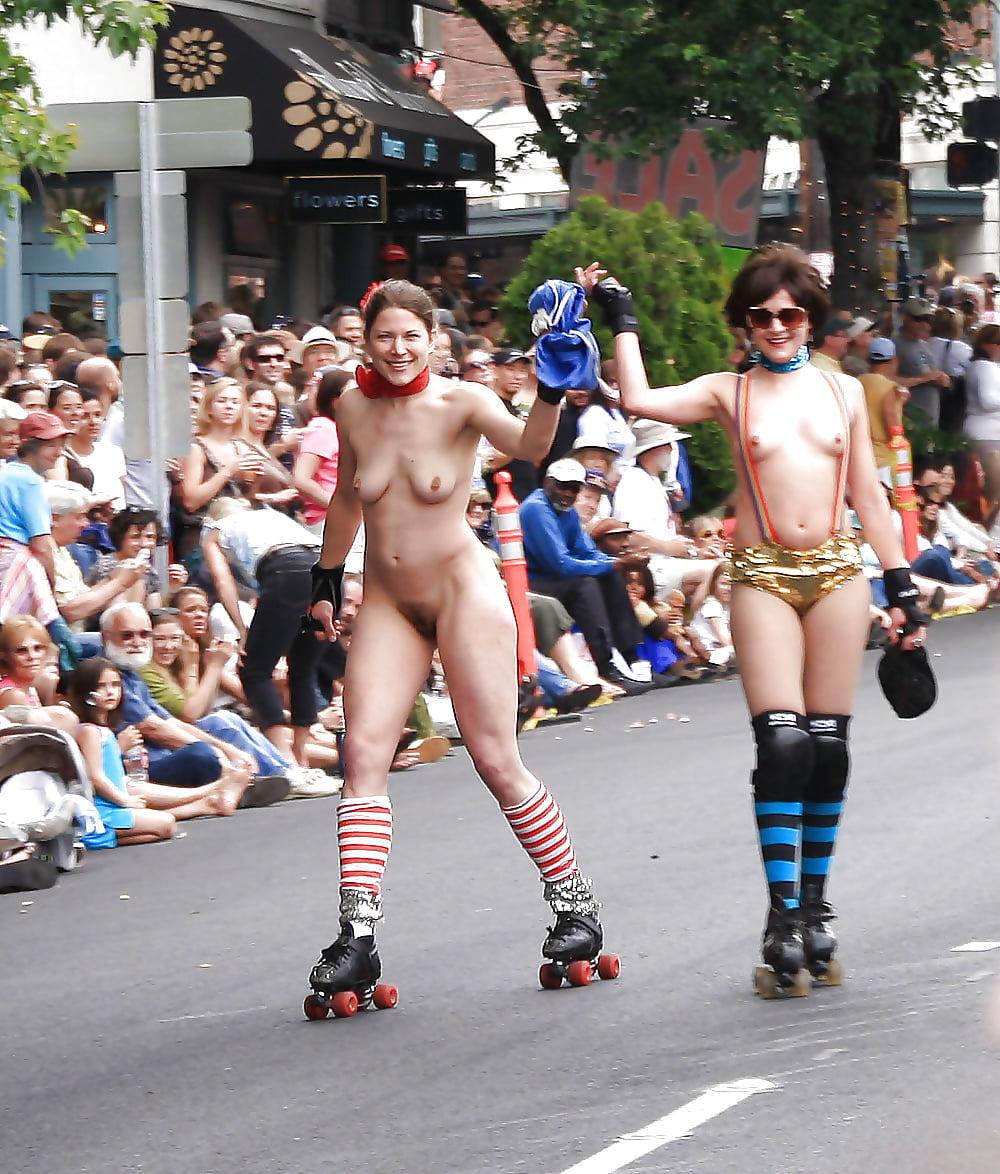 Парад голых фото — pic 1