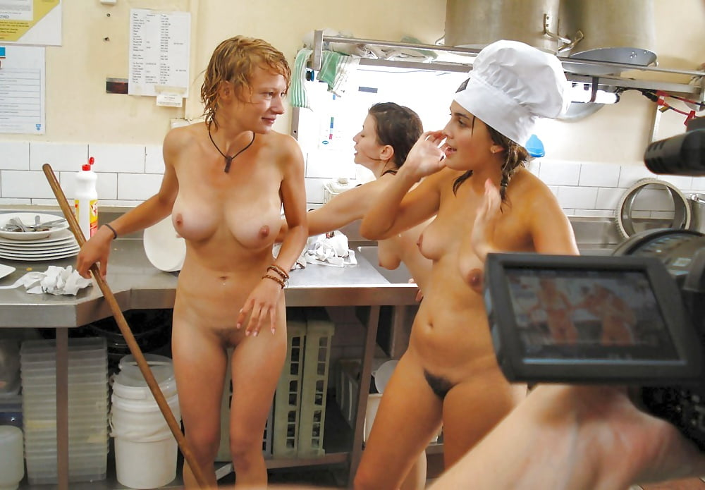 pictures-of-naked-women-workers