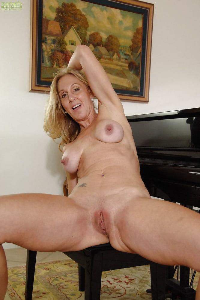 amateur curvy wife porn add photo
