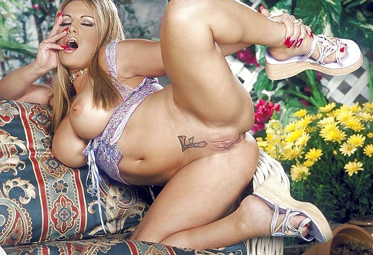 Порно актрисы каталог фото фридей, массажист усыпил и трахнул