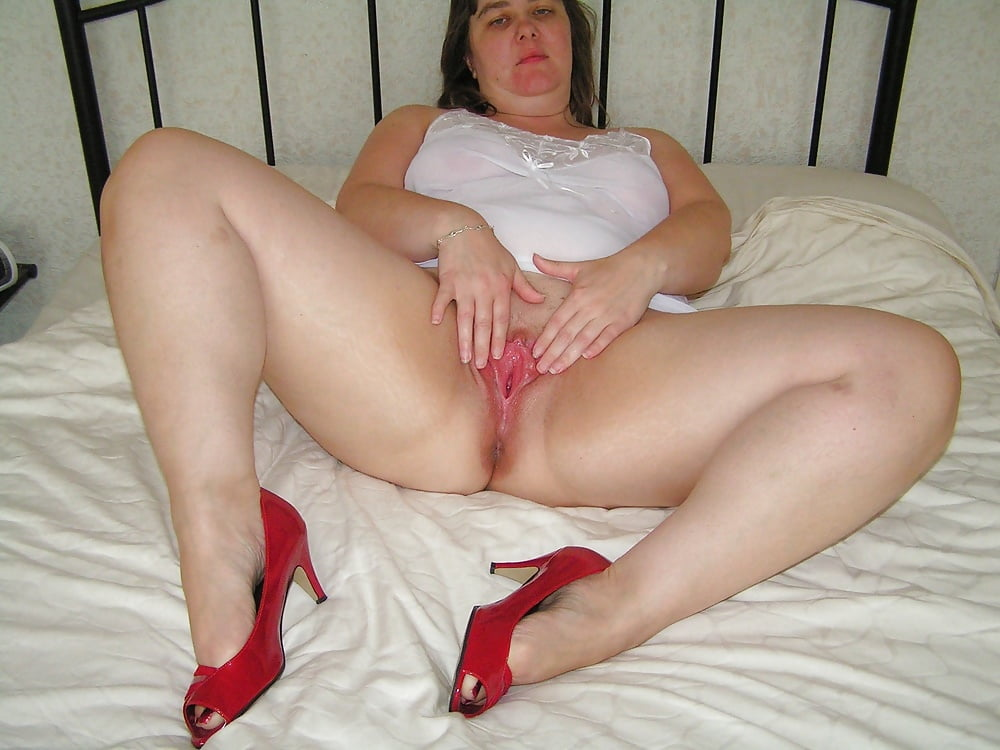 Chubby mature mom — photo 10