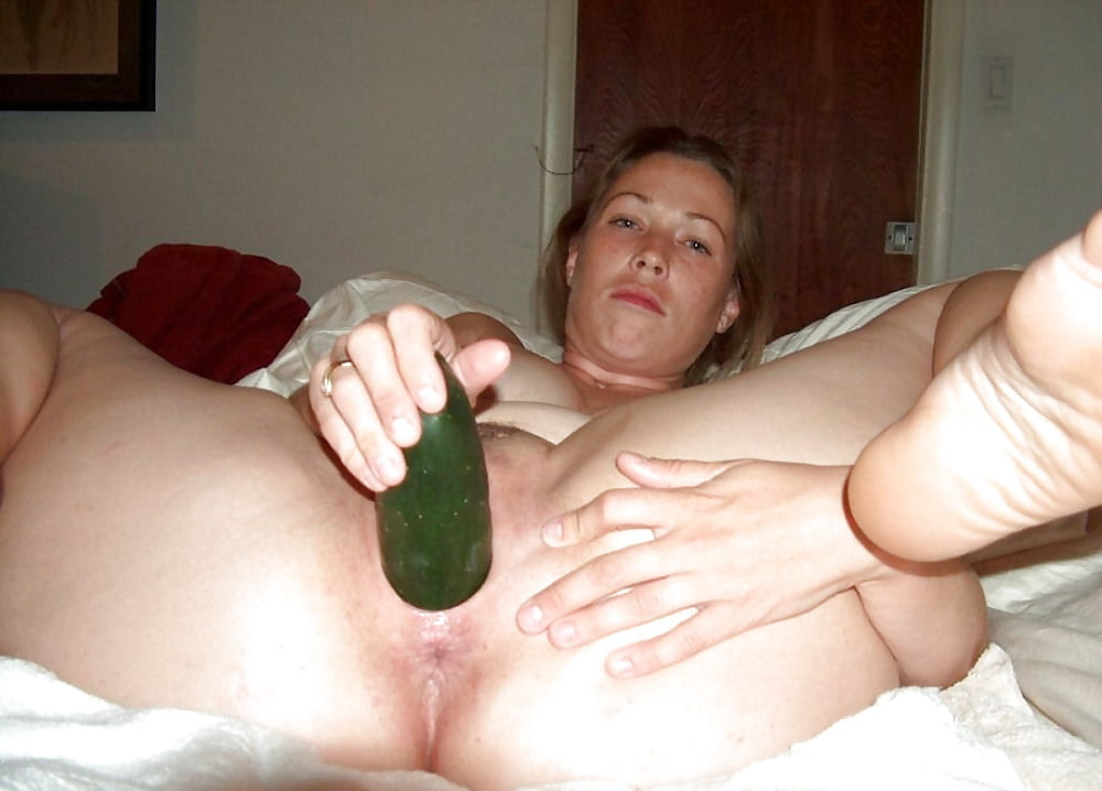 nude-drunken-girl-vegetable-masturbation