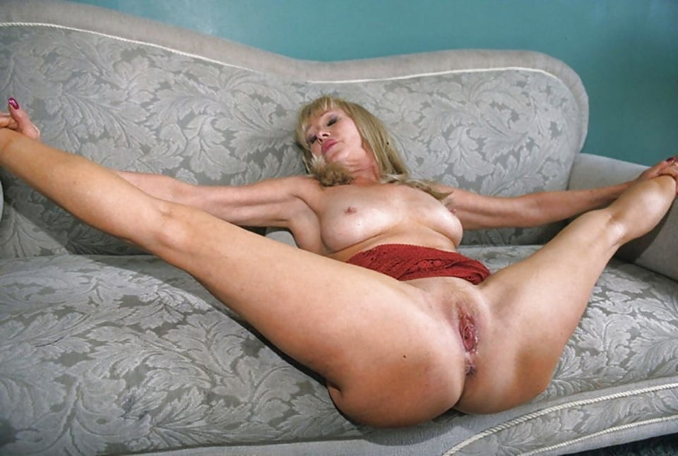 Pin on beautiful women sexy milf