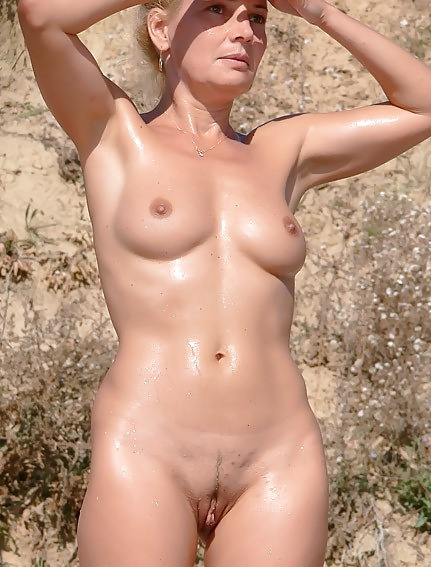 Free Daily Naked Old Women Pics