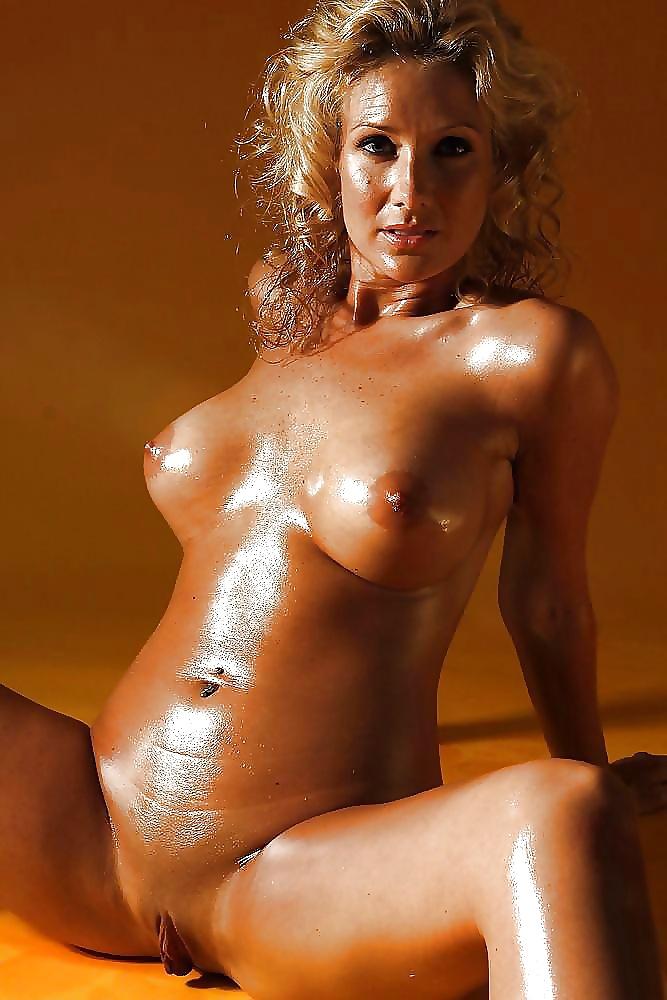 Mena suvari naked spank